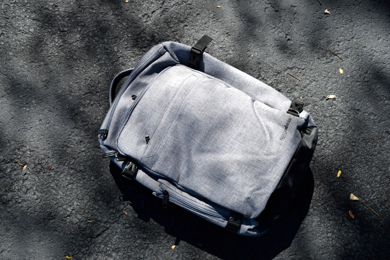 amazonbasics slim travel bag